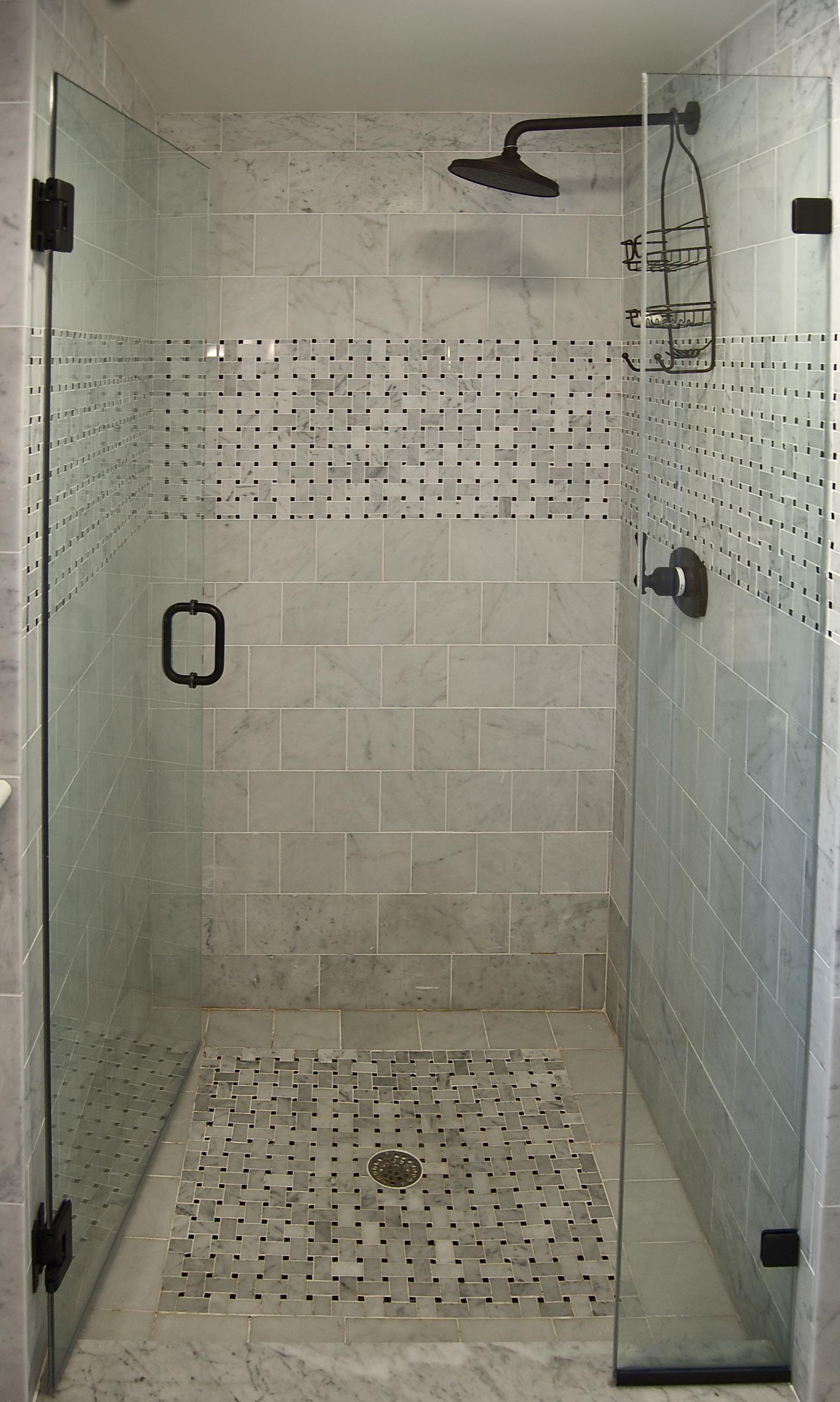 Tile shower picture to pin on pinterest thepinsta for Small bathroom ideas pictures tile