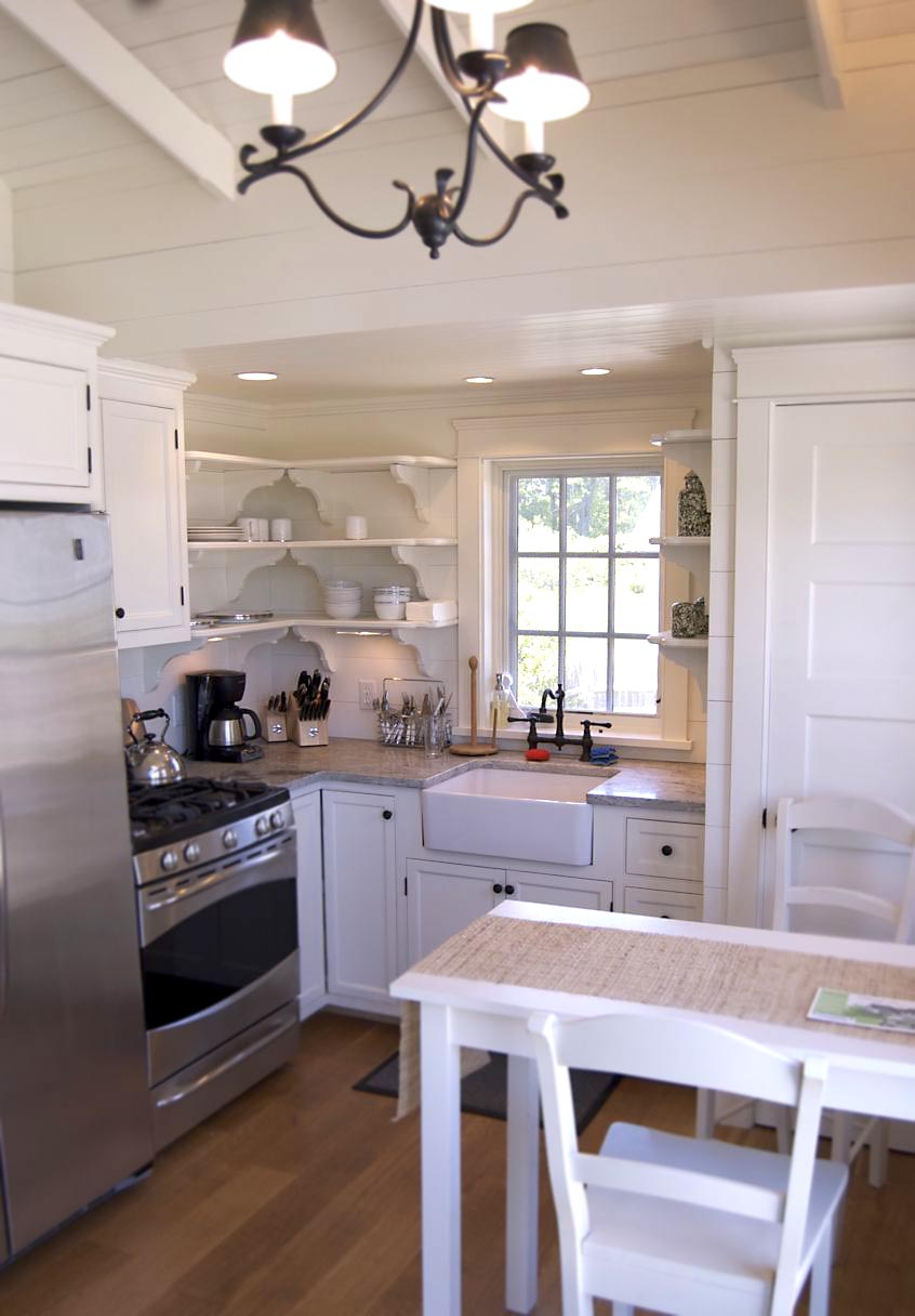 Coastal Cottage Kitchens